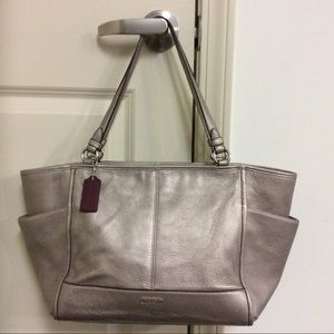 COACH PEWTER PARK PEBBLED LEATHER CARRIE TOTE EUC